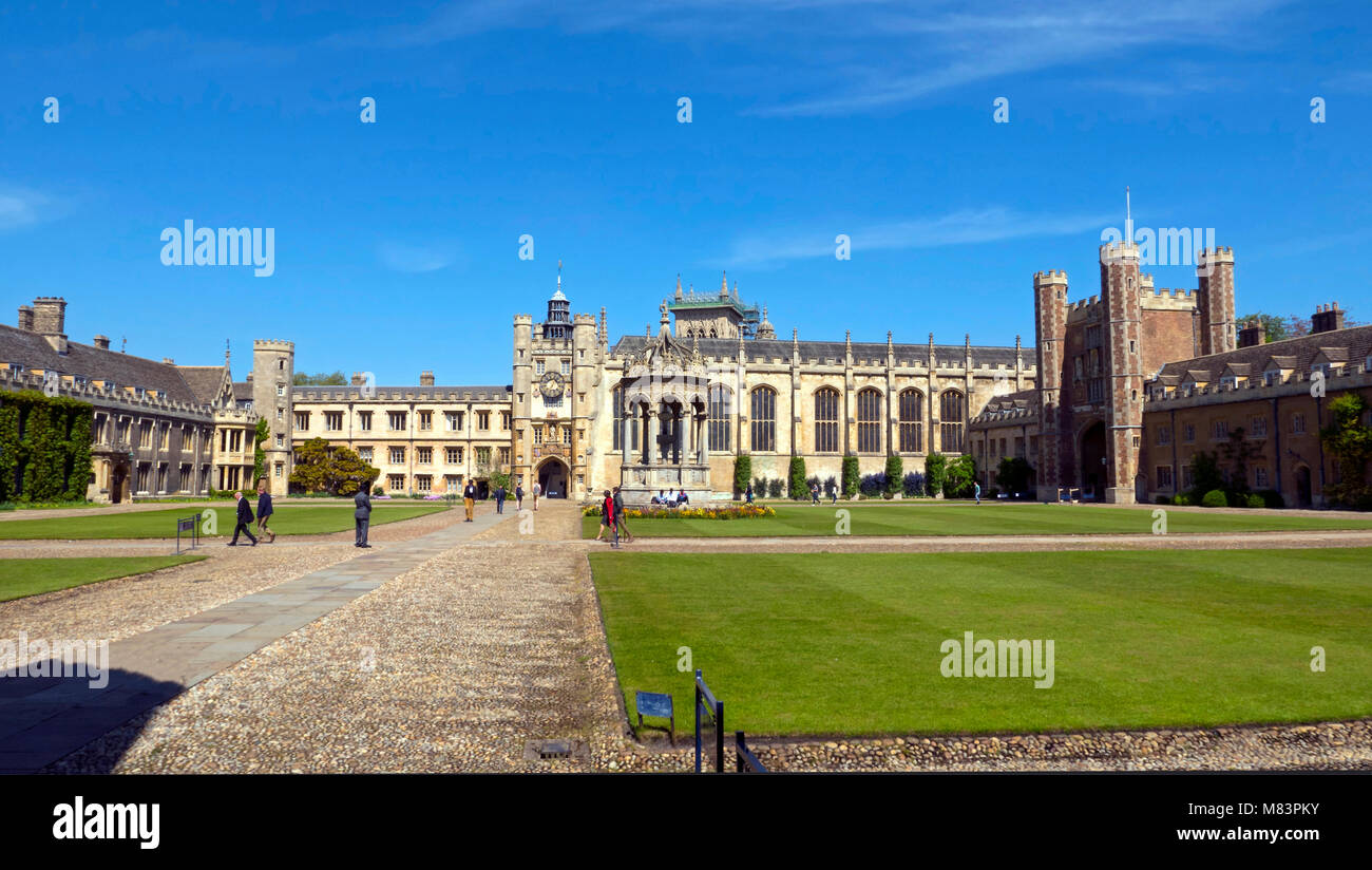 Wide  iew of Great Court, Gate House & Chapel, Trinity College Cambridge, summer - Stock Image