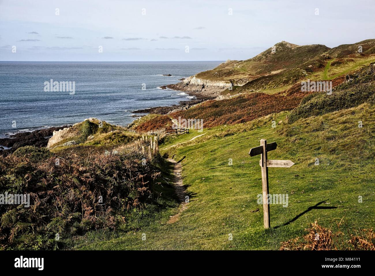 COASTAL FOOTPATH WALK AROUND MORTE POINT NEAR WOOLACOMBE DEVON ENGLAND - Stock Image