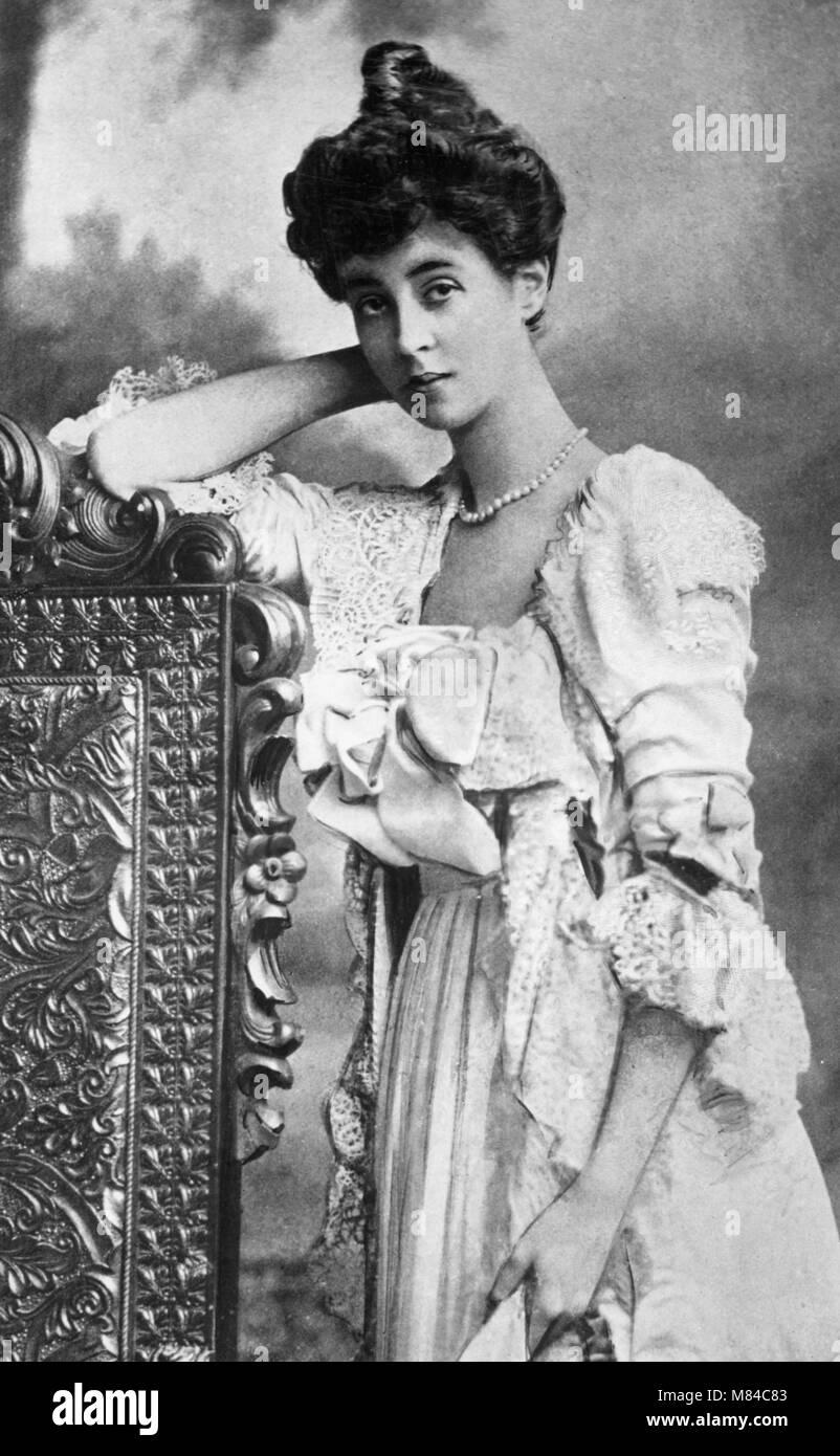 Consuelo Vanderbilt (1877-1964). Portrait of the American society heiress who married the 9th Duke of Marlborough - Stock Image