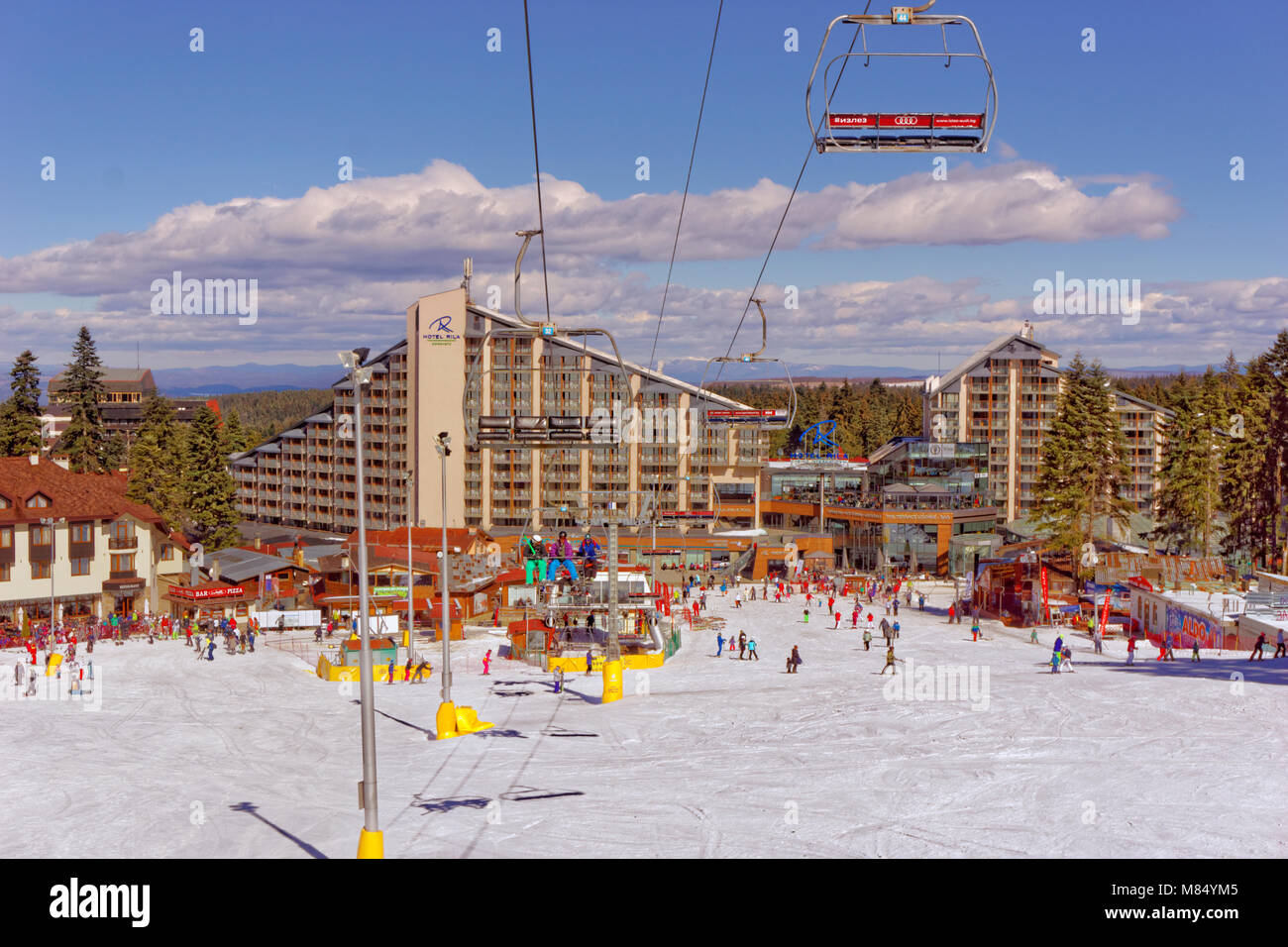Rila Hotel and slopes at Borovets Ski resort, Targovishte, Bulgaria. - Stock Image
