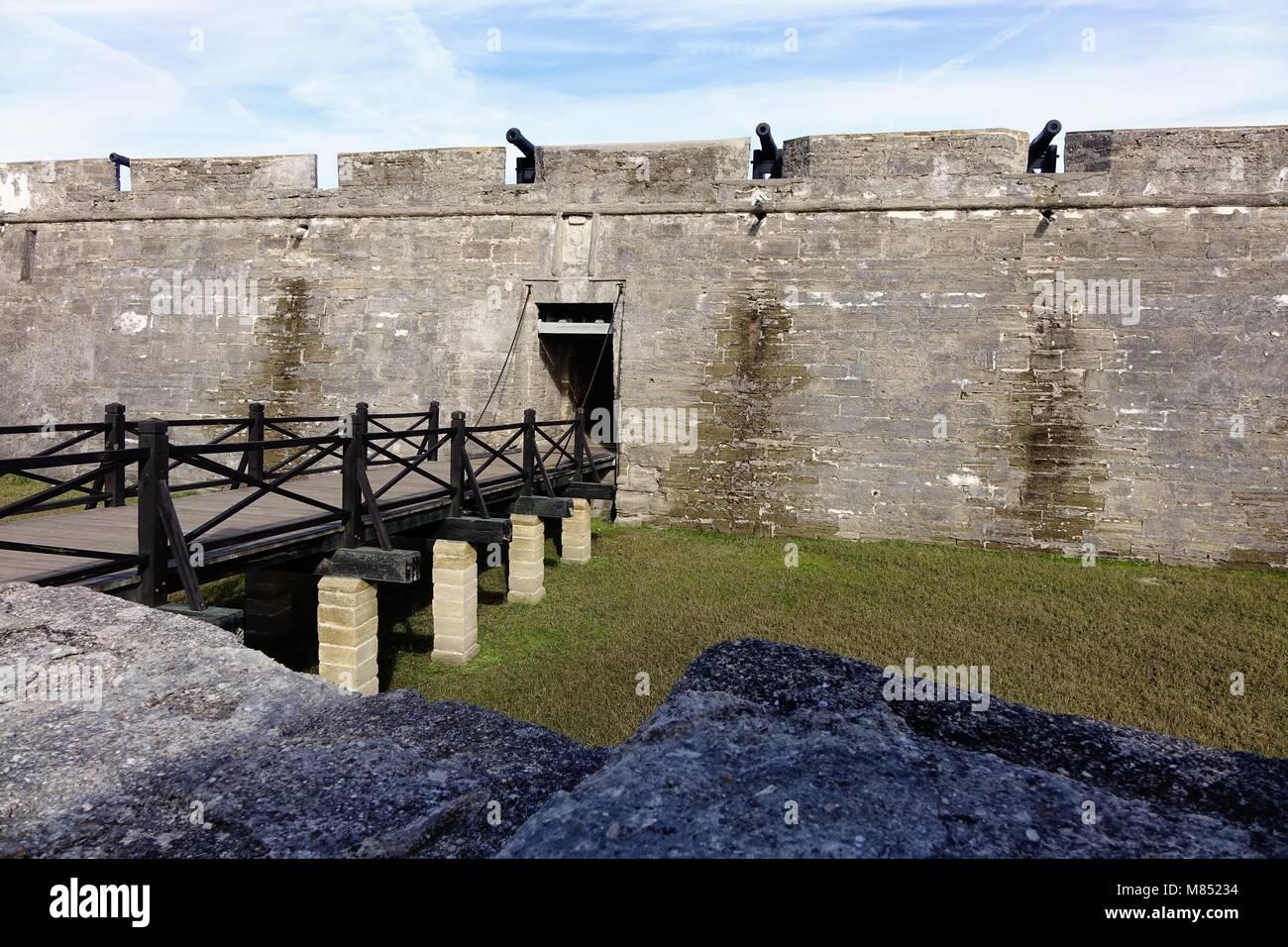 Entrance to Castillo de San Marcos, St. Augustine, Florida. Cannons ...