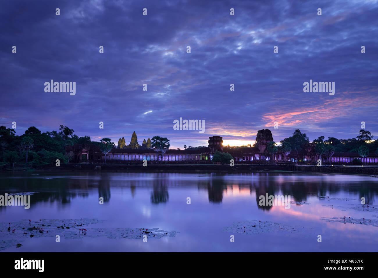 Angkor Wat floodlit at dawn, Cambodia - Stock Image