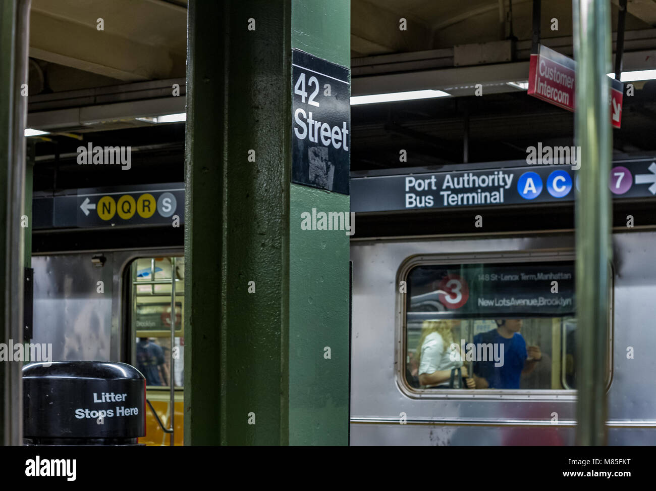 A train at 42nd Street station , New York City - Stock Image