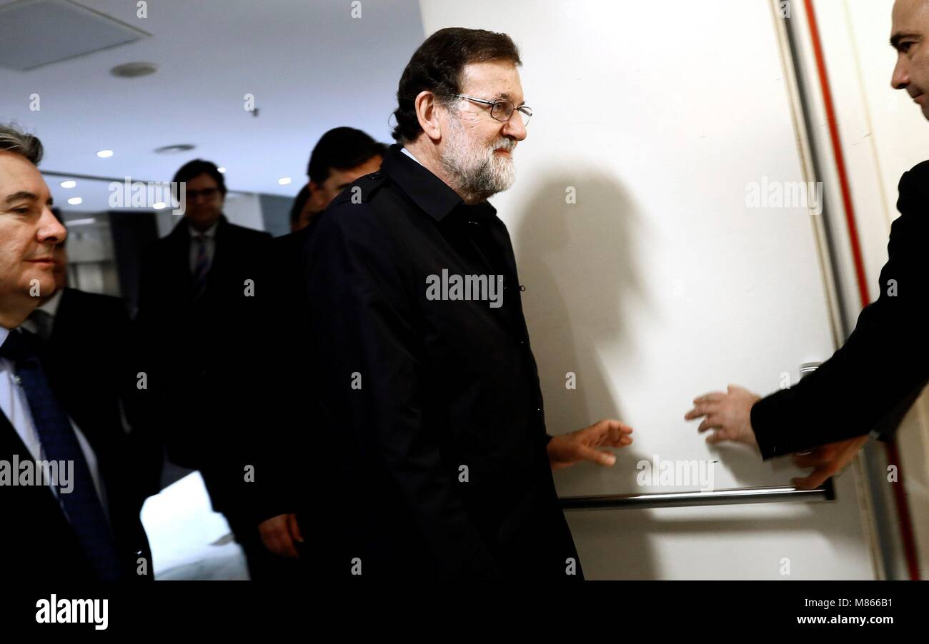 Spanish Prime Minister Mariano Rajoy (C) on his way to meet advocates of the revisable permanent prison and parents - Stock Image
