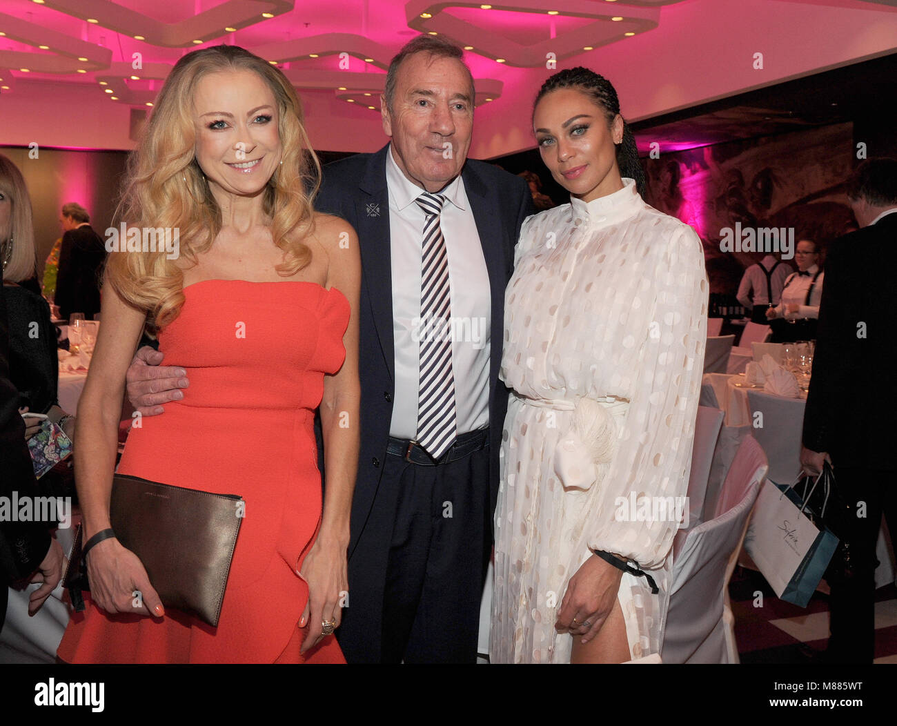 15 March 2018, Germany, Munich: Actress Jenny Elvers (L), Frank Fleschenberg, president of the Eagles Charity Golf - Stock Image