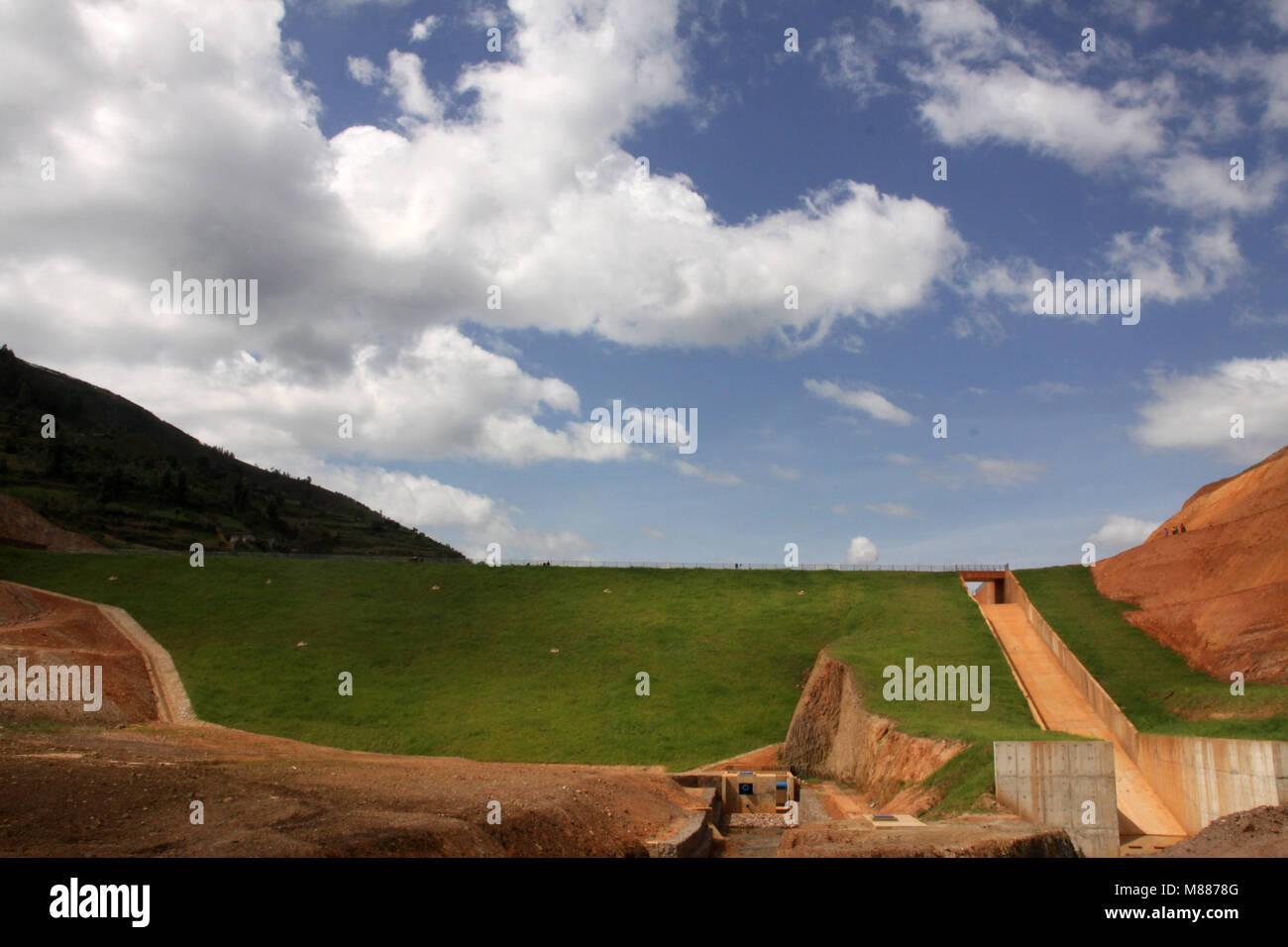 Rulindo, Rwanda. 15th Mar, 2018. Photo taken on Feb. 16, 2018 shows a view of Muyanza Dam built by China Geo-Engineering Stock Photo