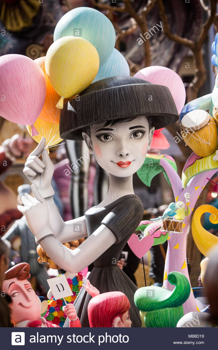 Valencia, Spain, 16th March 2018. A ninot representing actress Audrey Hepburn is seen in the Falla de eL Pilar in - Stock Image