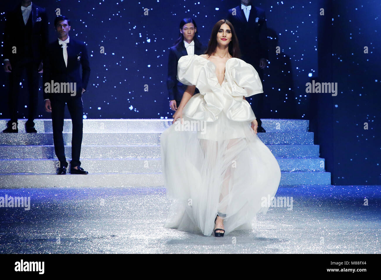 New Delhi India 14th Apr 2018 Bollywood Actress Vani Kapoor Walk Stock Photo Alamy