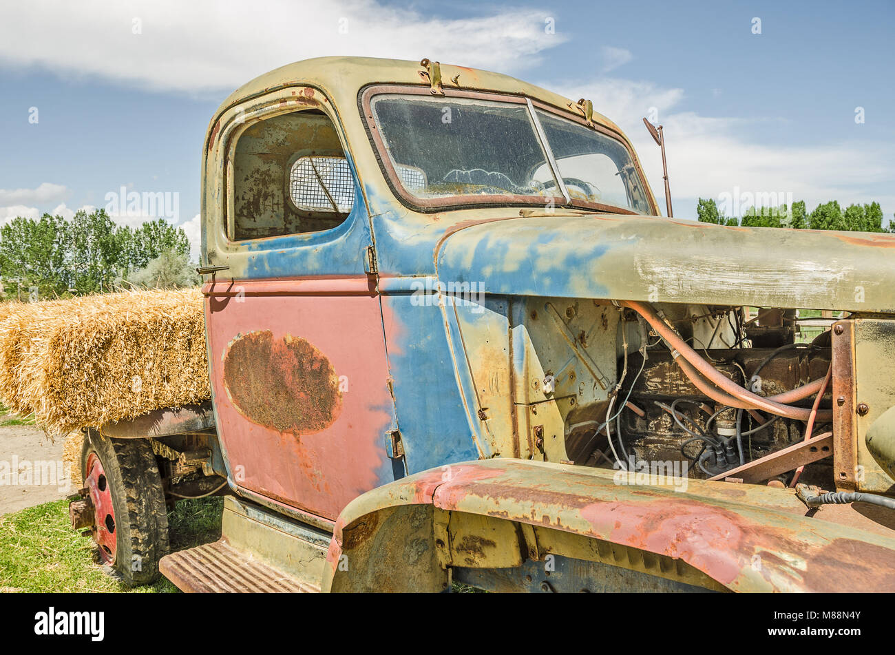 Old Truck Parts Stock Photos & Old Truck Parts Stock Images - Alamy