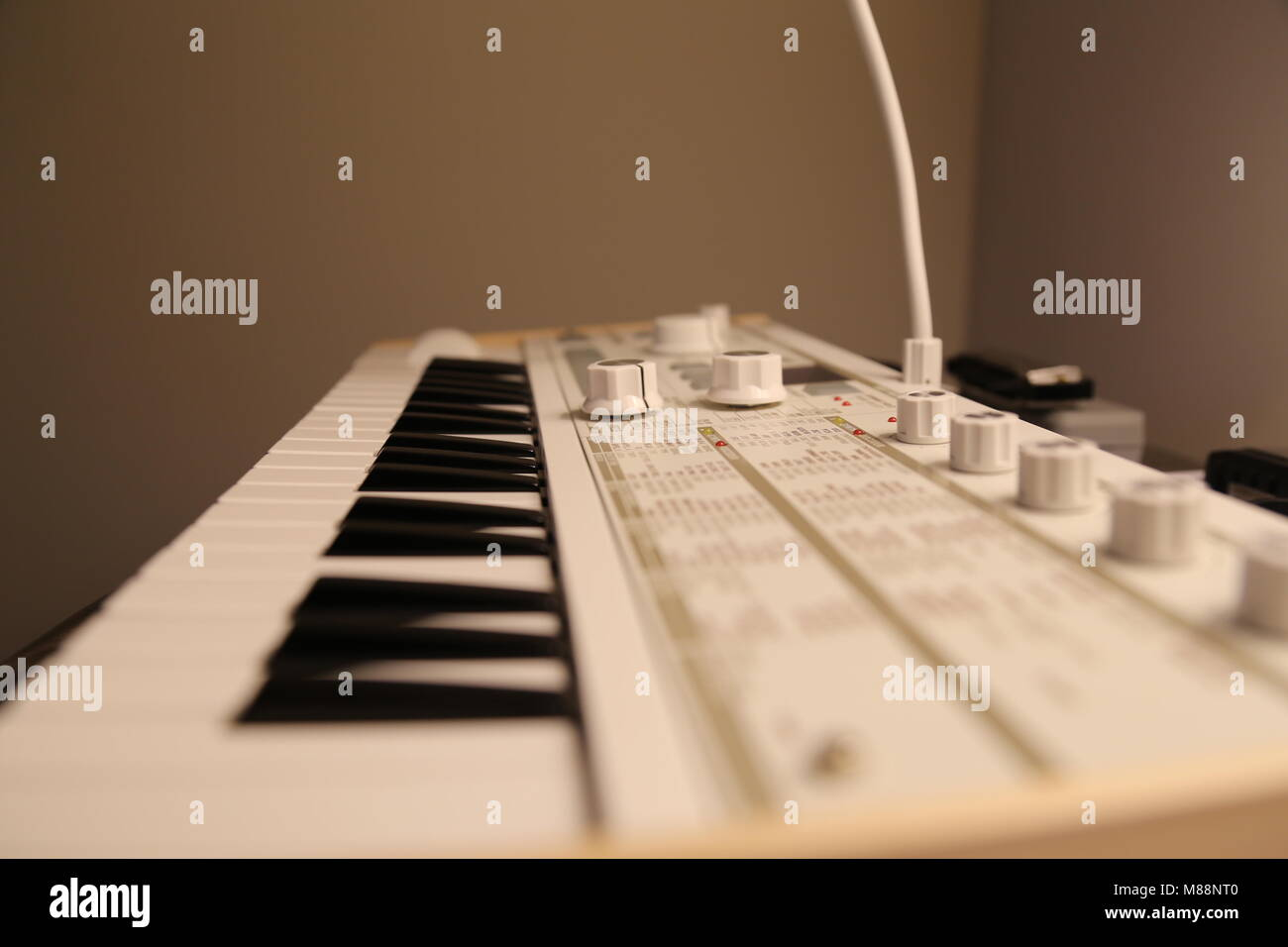 Synthesizer Stock Photos & Synthesizer Stock Images - Alamy