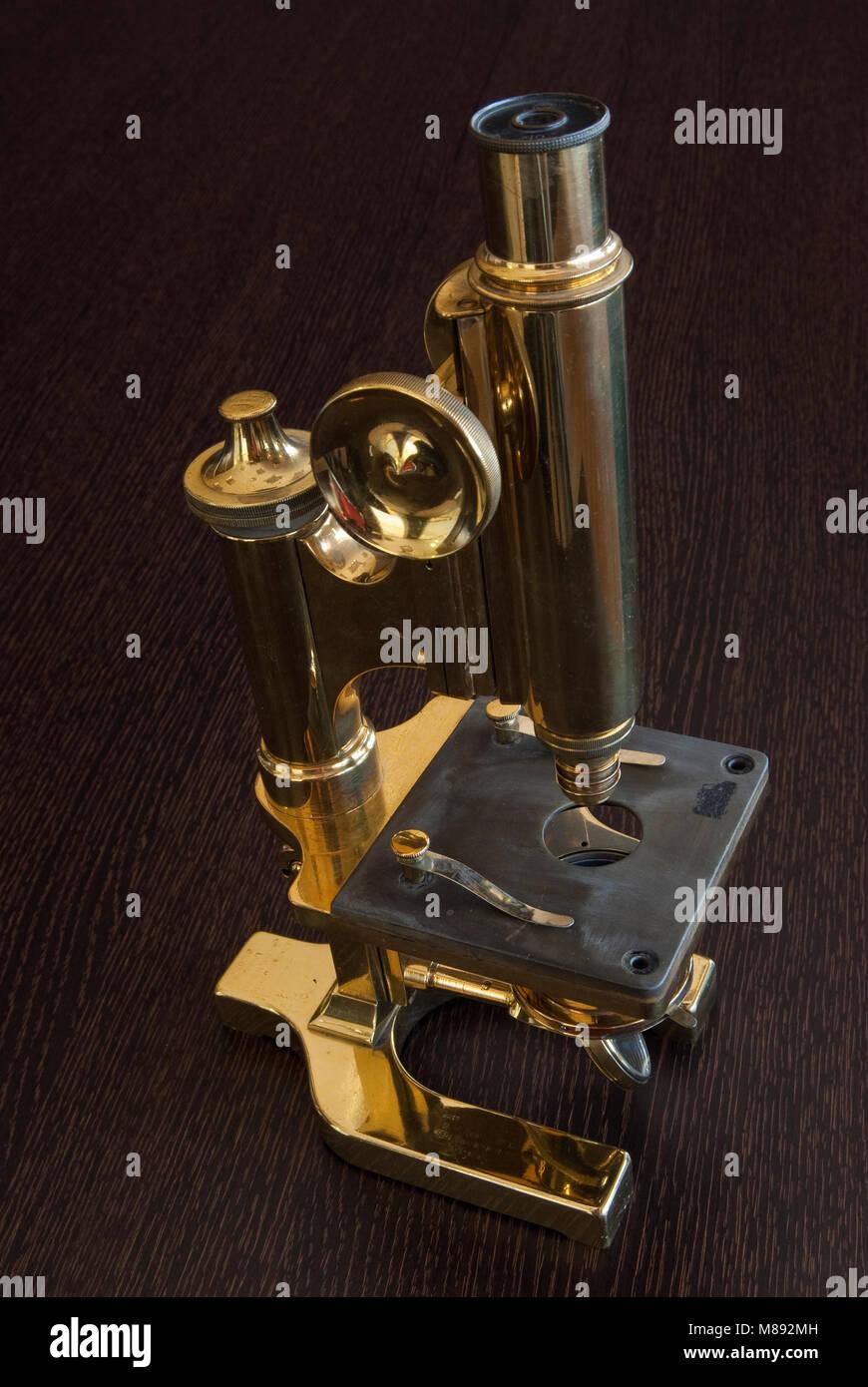 Old microscope, medicine - Stock Image