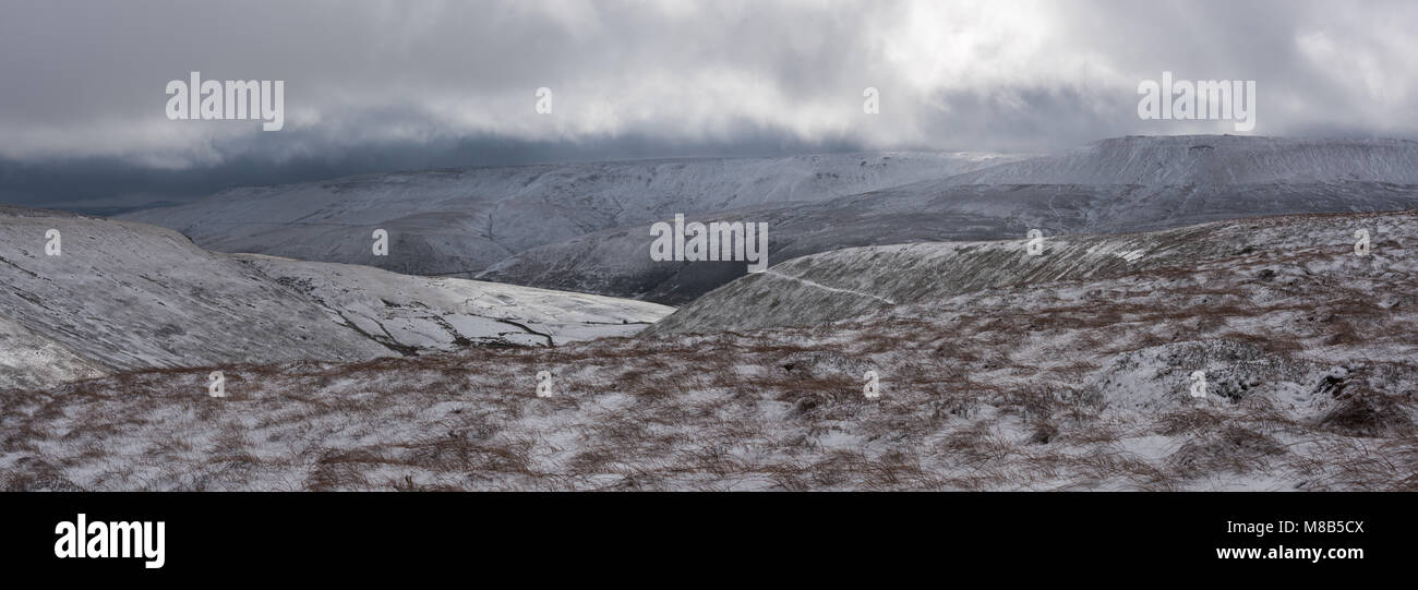 Kinder Scout from above Oyster Clough, Peak District - Stock Image