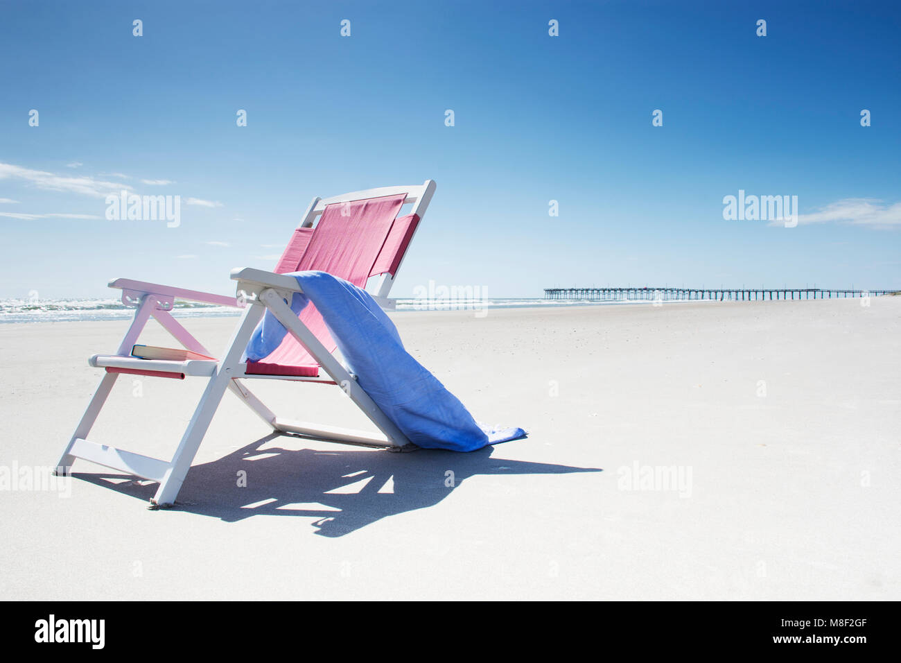 Pink Beach Chair Blue Towel High Resolution Stock Photography And Images Alamy