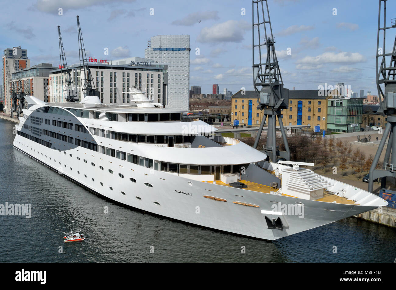 The Sunborn London Yacht Hotel Moored In The Royal. The Cavendish Hotel. Crowne Plaza Salzburg The Pitter Hotel. Bain's House. Lafontaine Rose Beach Hotel. Veegle Hotel Hangzhou Gejiang. Ascot Parnell Bed & Breakfast. Waldorf Palace Hotel. Shanghai JC Mandarin Hotel