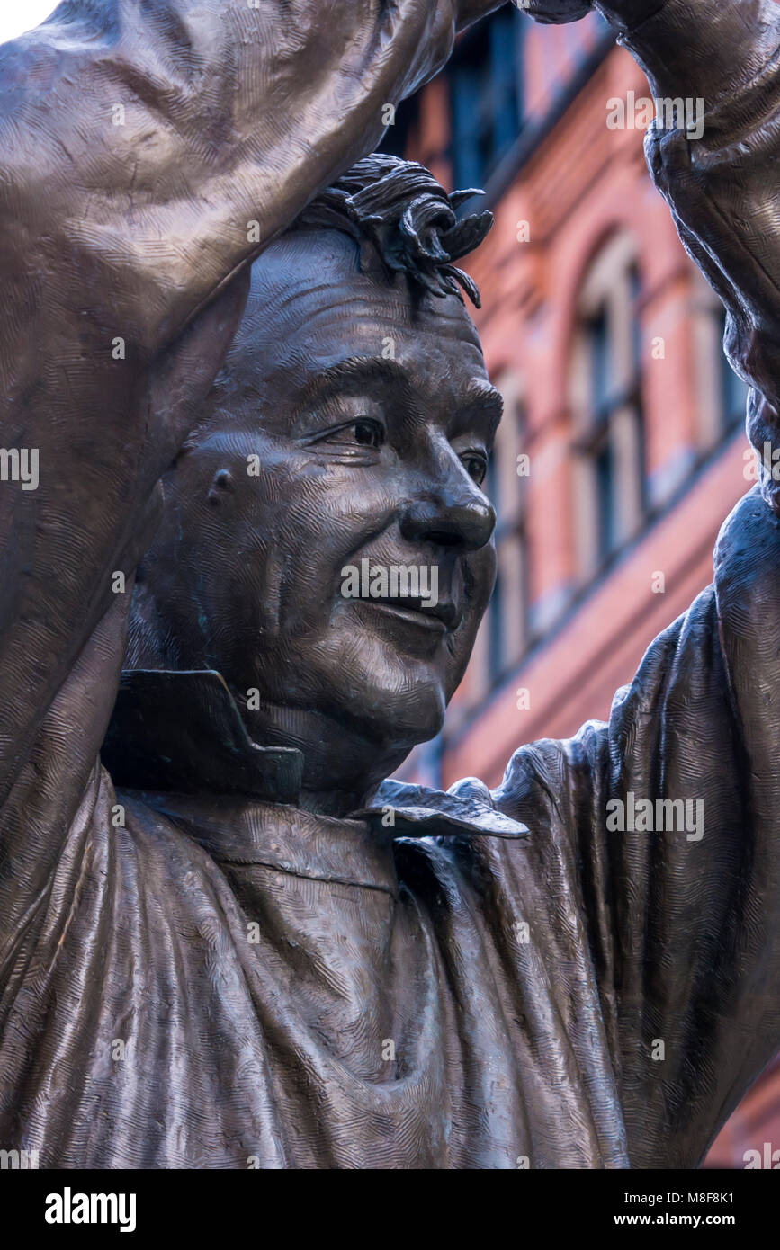 Statue to Brian Clough OBE over looking Market Square Nottingham Nottinghamshire England - Stock Image