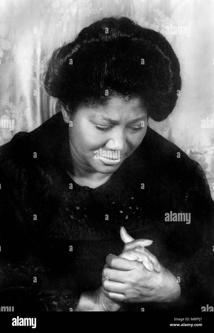 Mahalia Jackson (1911-1972). Portrait of the American gospel singer by Carl Van Vechten, 1962. - Stock Image