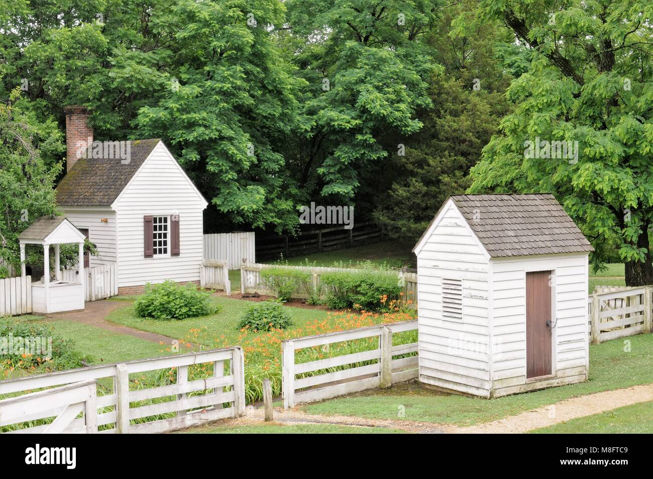 257adf303ce Colonial Williamsburg Garden Stock Photos   Colonial Williamsburg ...