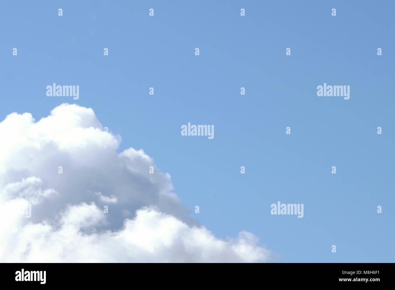 the horizon in the Sky many little clouds - Stock Image