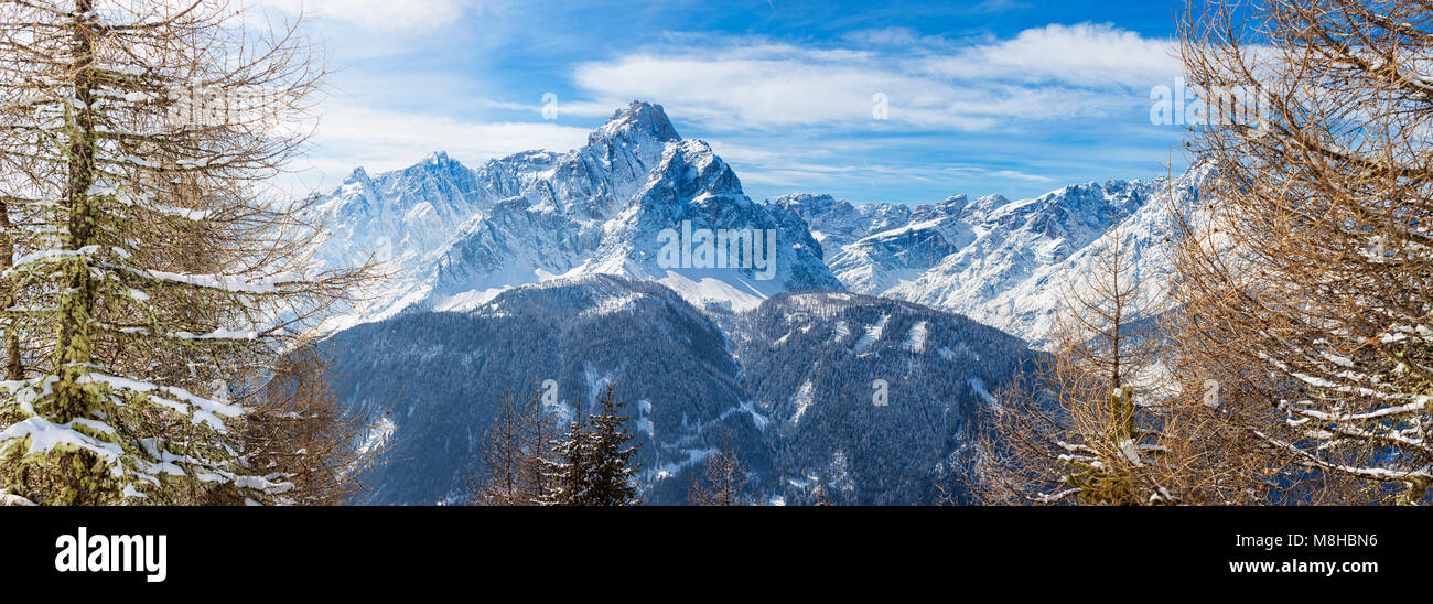 Panoramic image of the Dolomiti peaks in the  beautiful Winter time of the year, seen from Mont'Elmo, San - Stock Image
