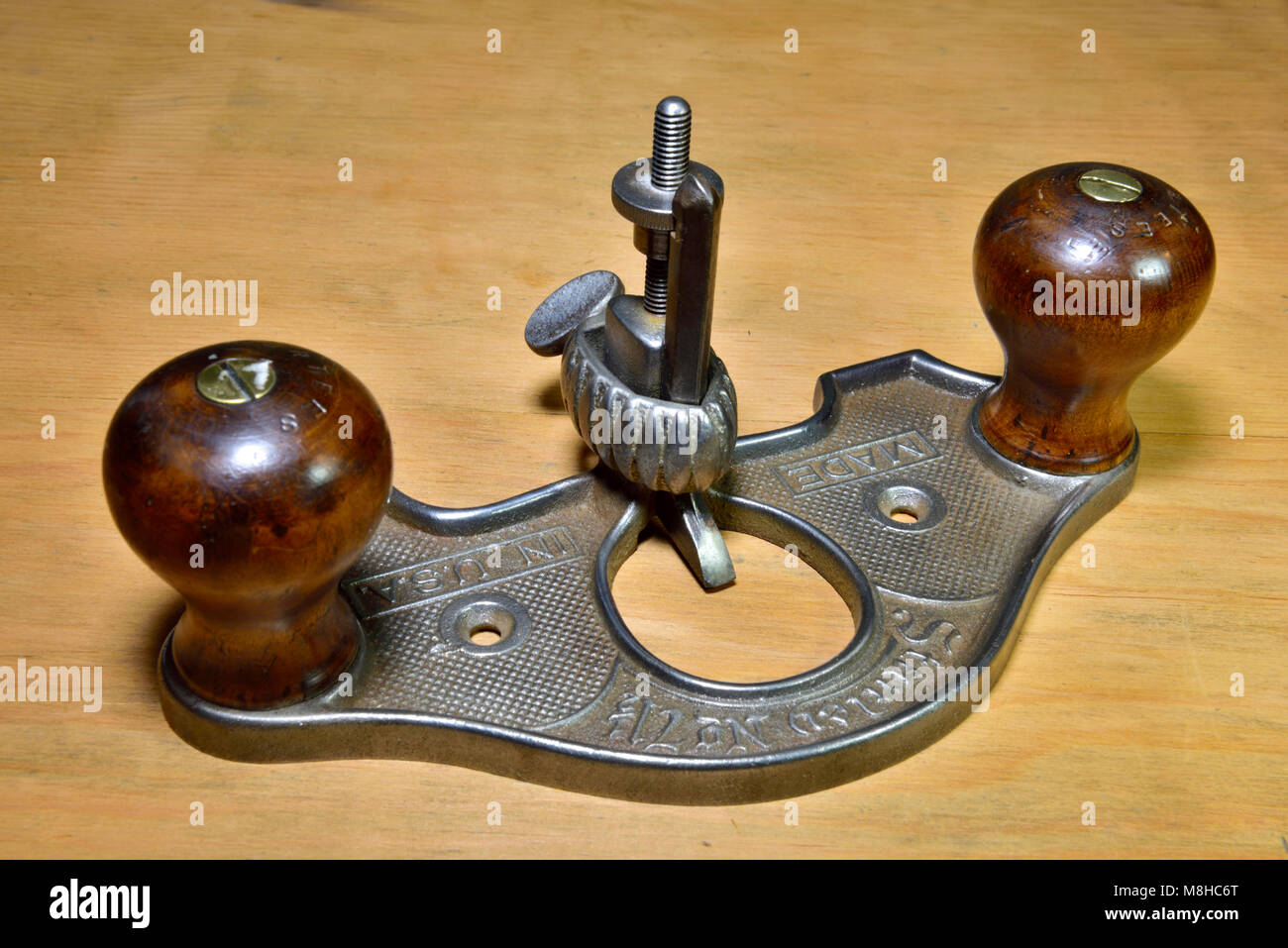 Stanley Woodworking Closed Throat Hand Router Plane 70 1 2