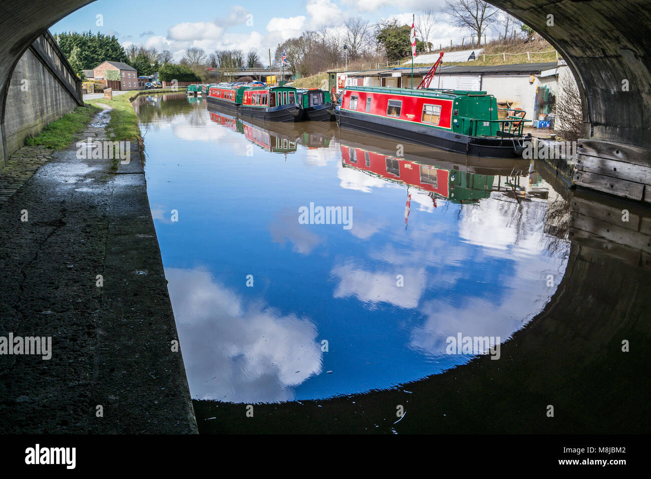 Narrow boats on the Bridgewater Canal ant Preston Brook, Cheshire, UK. - Stock Image