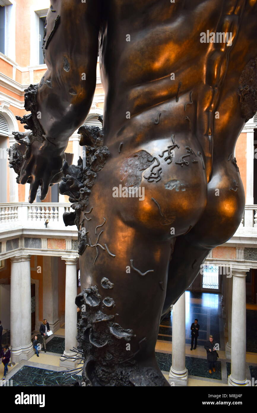 A Damien Hirst sculpture from the exhibition 'Treasures From The Wreck Of The Unbelievable', Palazzo di - Stock Image