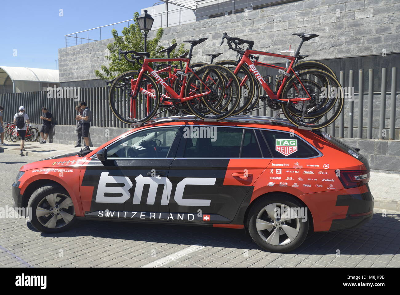 74b0485fb BMC swiss cycling sports team support car used in la Vuelta holding spare  road bicycles before