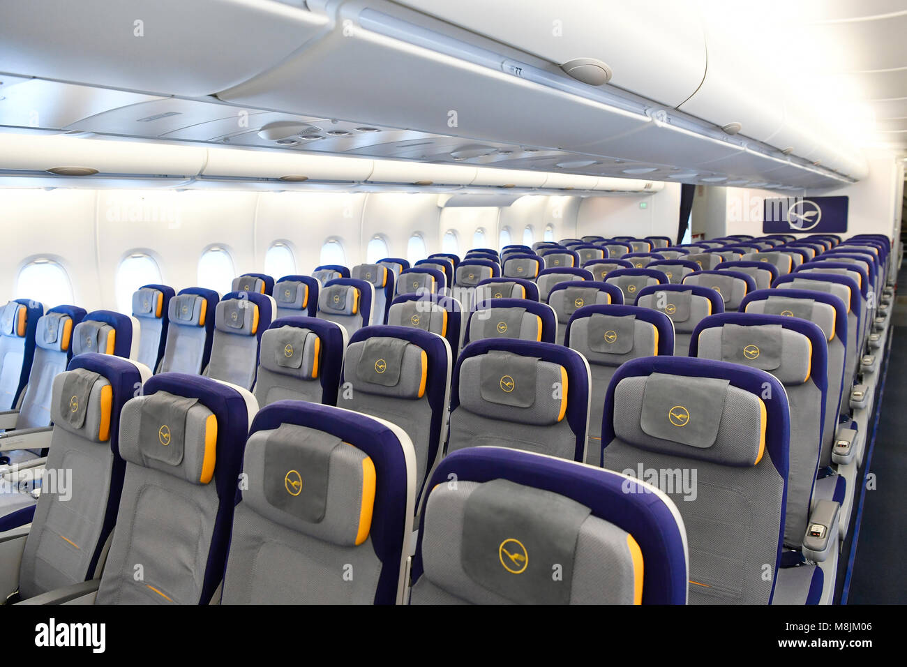 inside lufthansa airbus a380 800 airbus industrie a380 800 seating lufthansa new 755