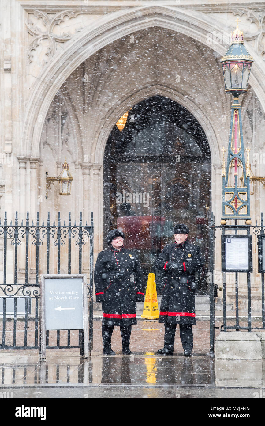 An unseasonable St Patrick's day on the morning of 17 march 2018 when a snowstorm descended at Westminster, - Stock Image