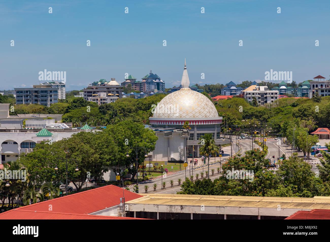Brunei Darussalam, Bandar Seri Begawan, The dome of the royal regalia museum. - Stock Image