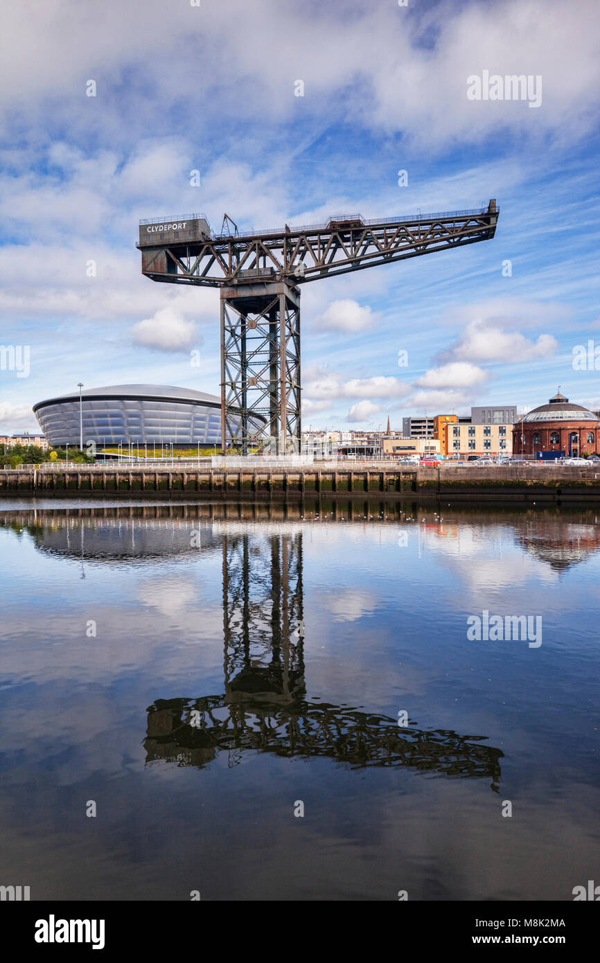 The Finnieston Crane, with the SSE Hydro in the background, on the banks of the River Clyde, Glasgow, Scotland, - Stock Image