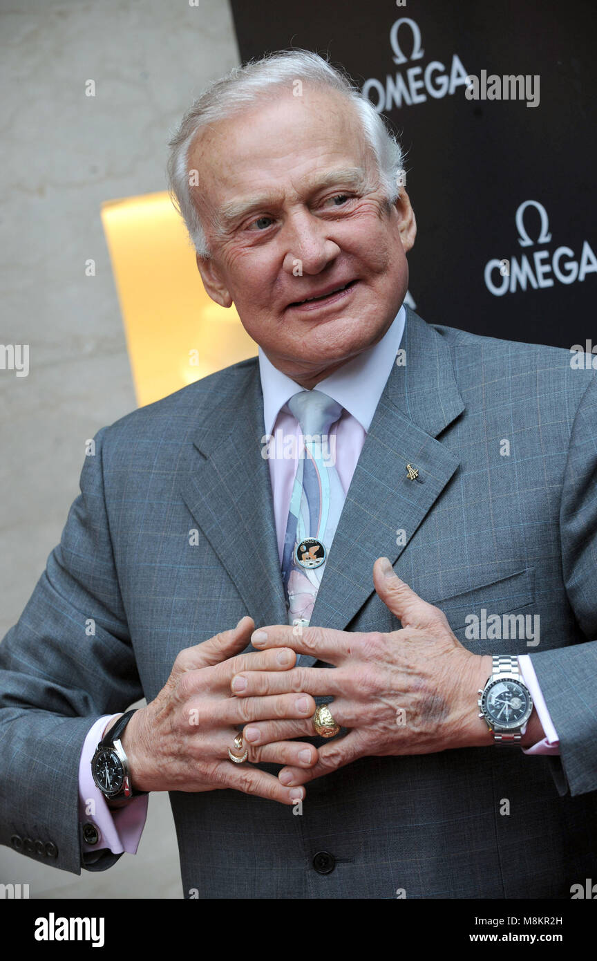 Buzz Aldrin Marks The 40th Anniversary Of The Lunar Landing With The