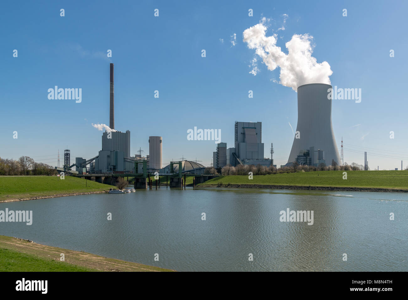 Duisburg, North Rhine-Westphalia, Germany - March 27, 2017: Power Station Walsum with the old lift bridge - Stock Image