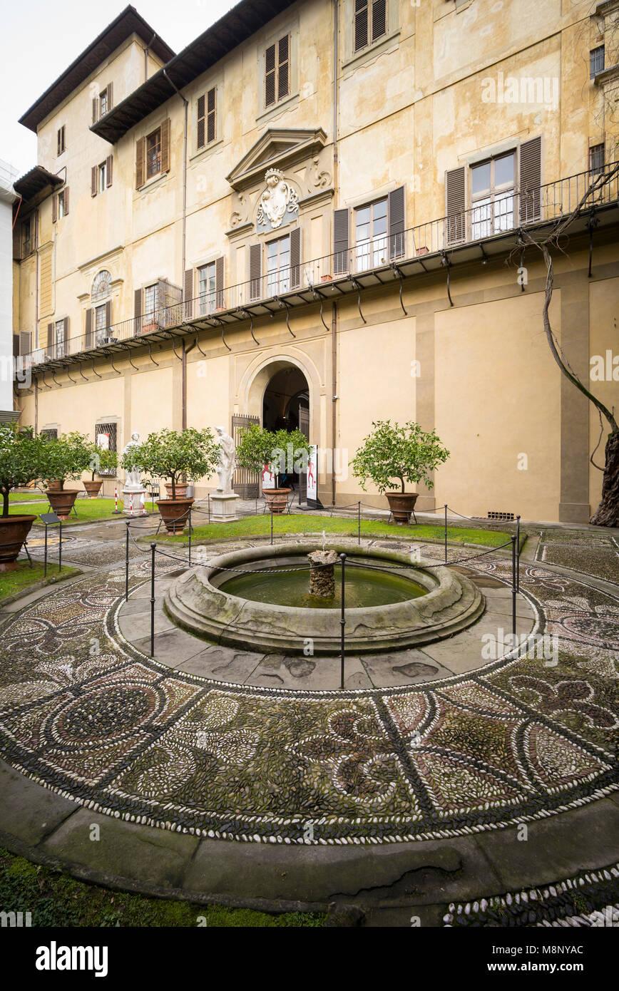 Florence. Italy. Rear garden of Palazzo Medici Riccardi, designed by Michelozzo di Bartolomeo, 1444-1484. - Stock Image