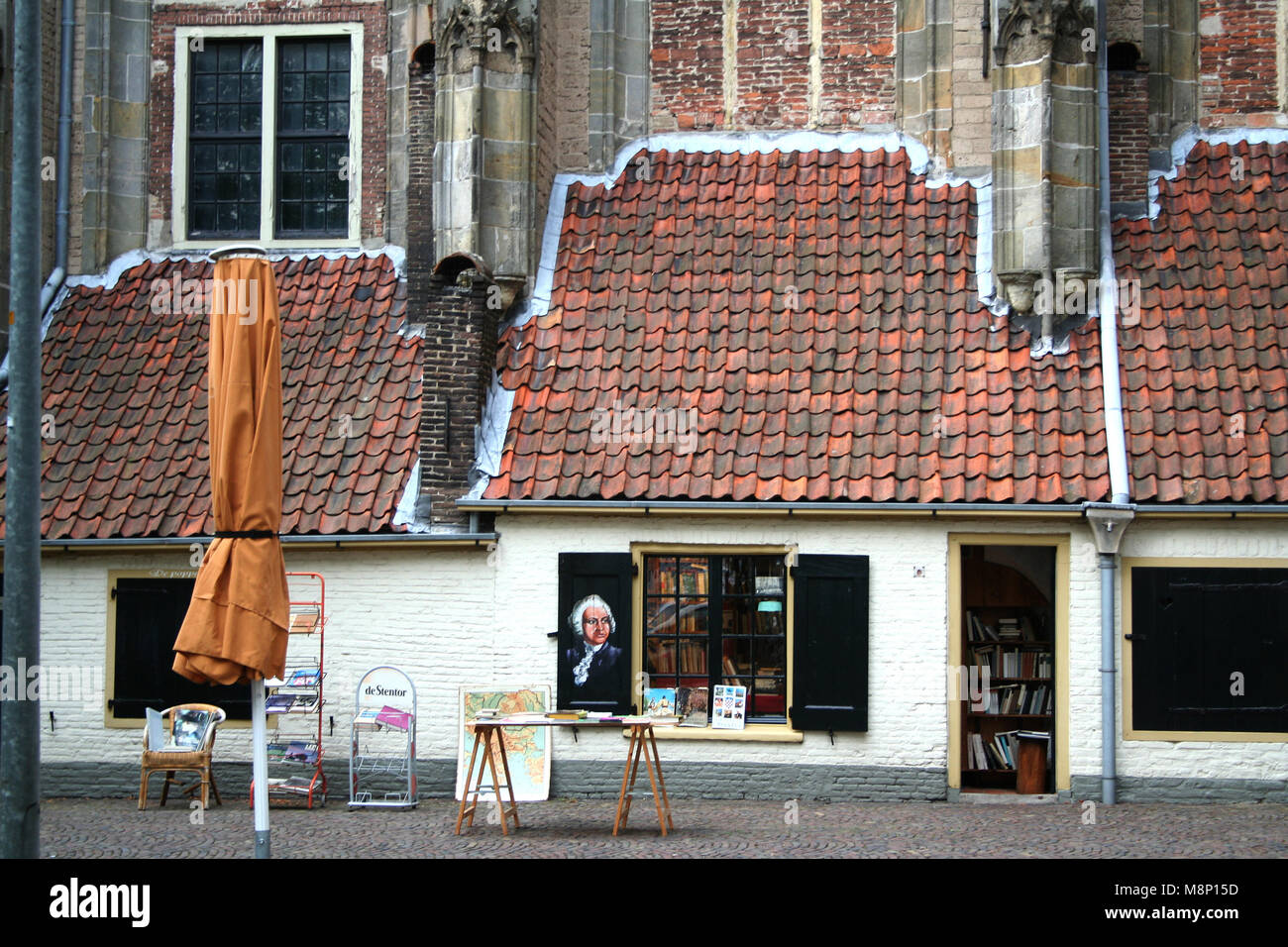 Netherlands,Overijssel,Deventer june 2016: Wall dwelling Lebuinus church or Great church started in 770 as a wooden Stock Photo