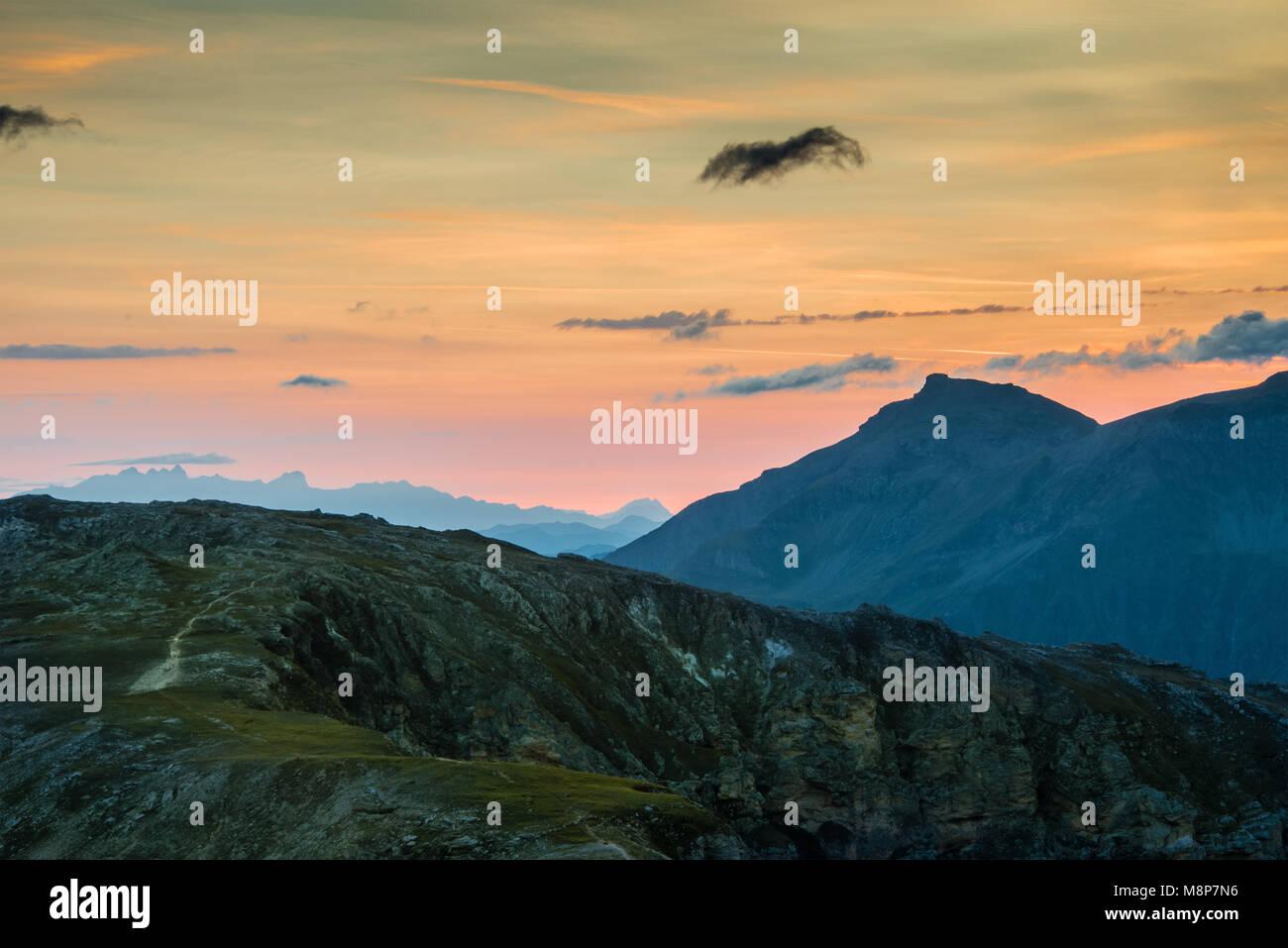 Sonnenaufgang über den Hohen Tauern - Stock Image