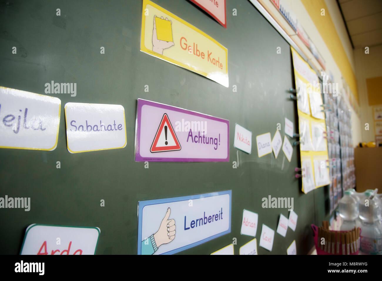Alltag in der Grundschule - Stock Image