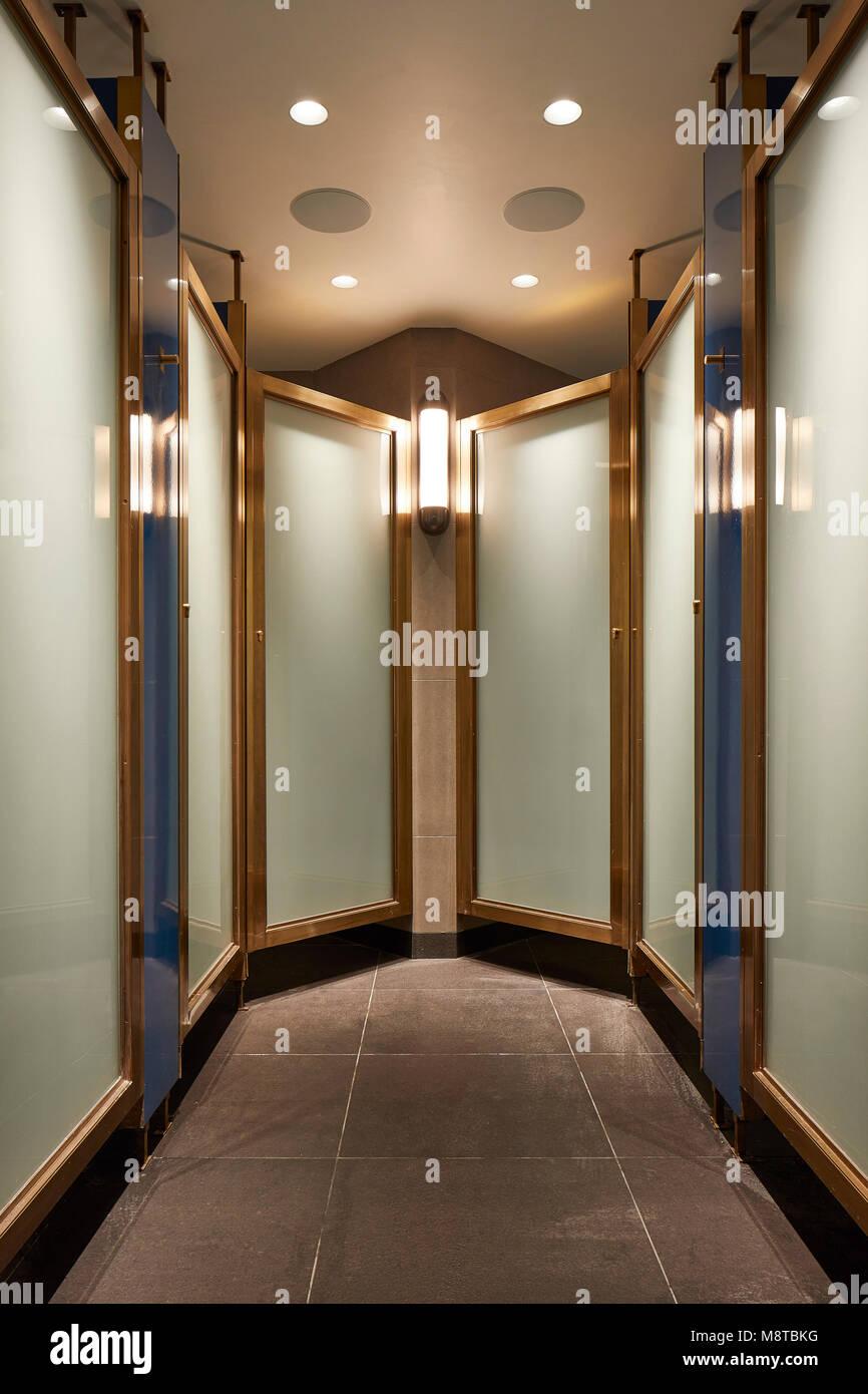 Corridor to changing rooms. KXU London, London, United Kingdom. Architect: Stiff + Trevillion Architects, 2017. - Stock Image
