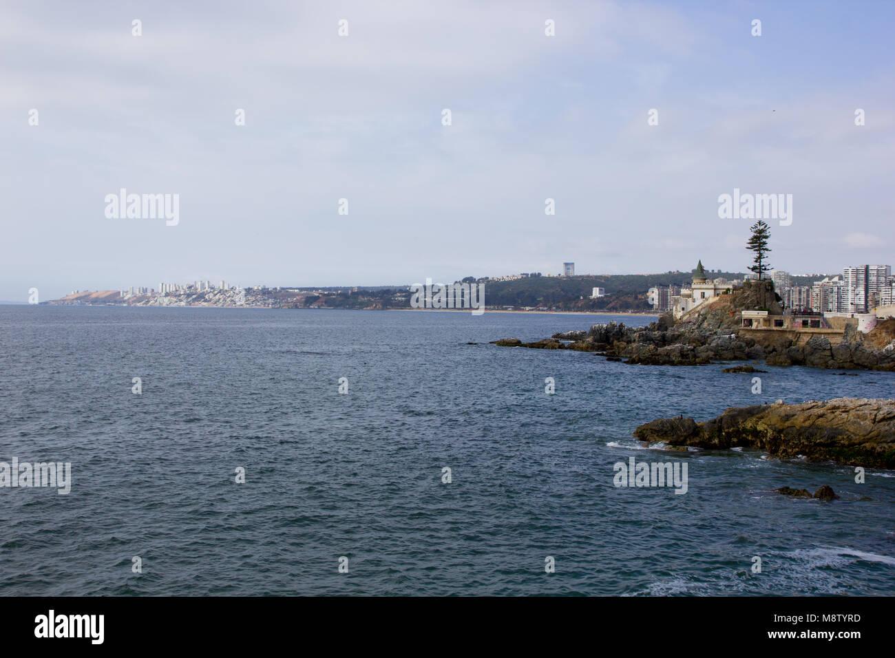 Coastline view in Vina del Mar, Chile in South America - Stock Image