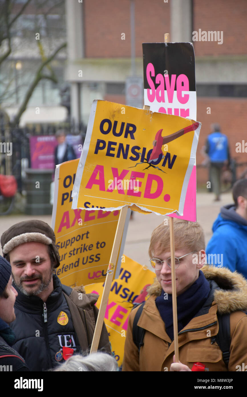 University lecturers ULU members striking in protest at plans to change their pensions from a defined benefit scheme - Stock Image