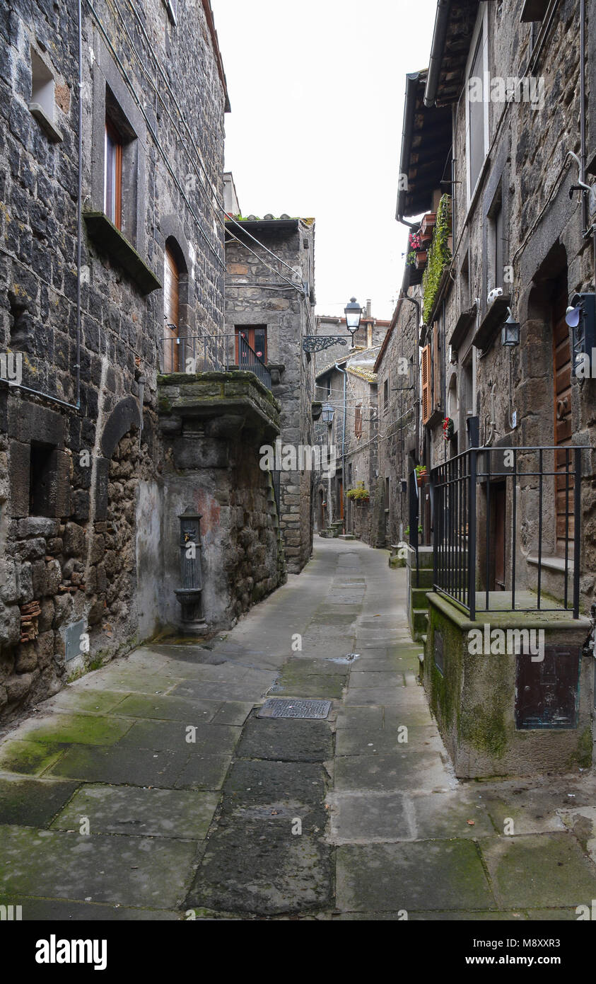Vitorchiano (Tuscia, Italy) - The medieval town in tuff, province of Viterbo, central Italy, with stone alley and - Stock Image