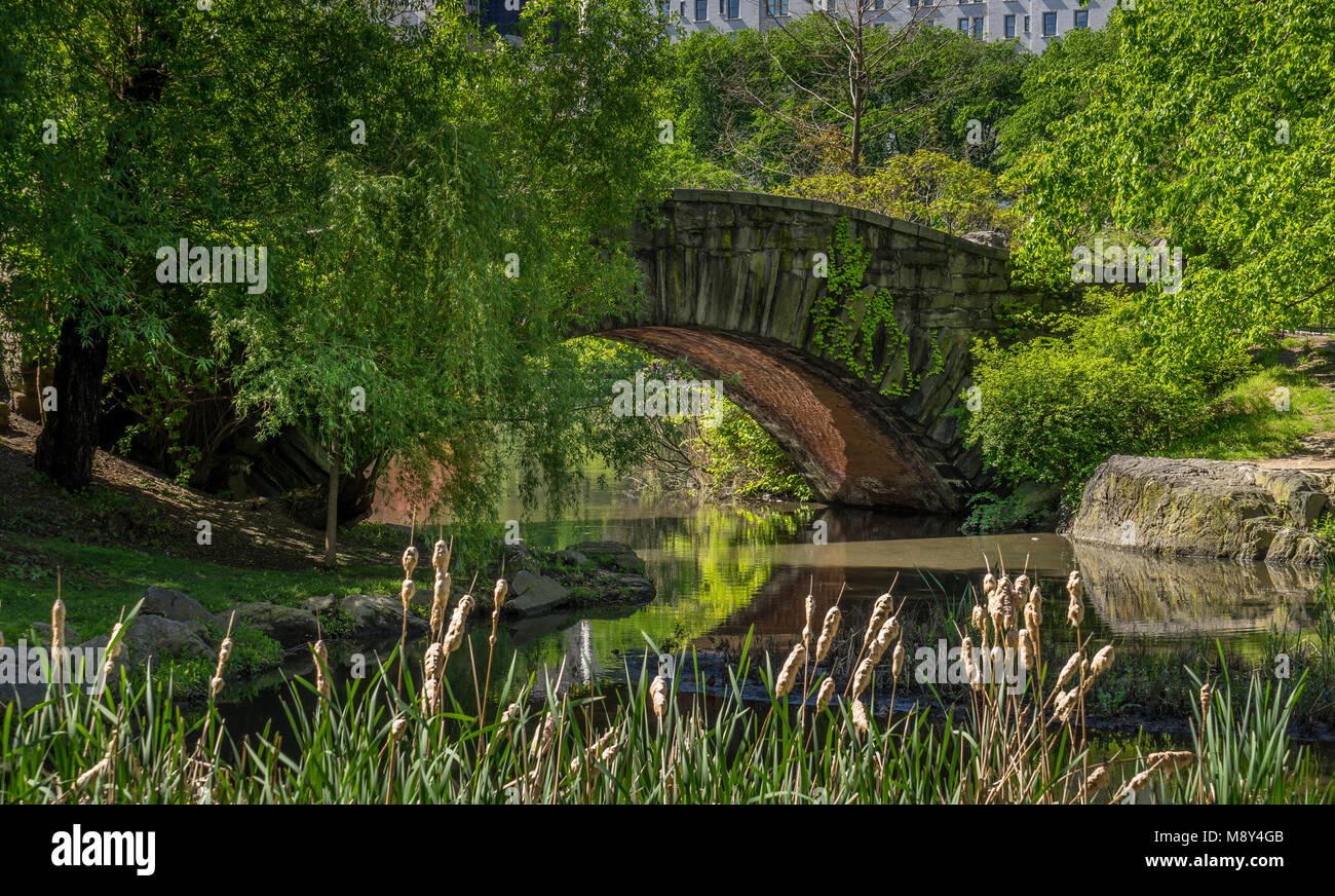 A stone bridge Gapstow Bridge in Central Park NY. - Stock Image