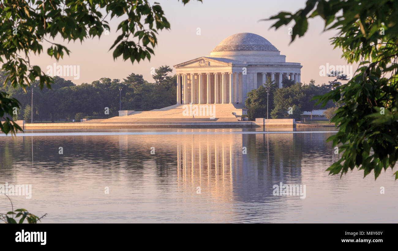 Misty morning at the Jefferson Memorial in Washington, DC - Stock Image