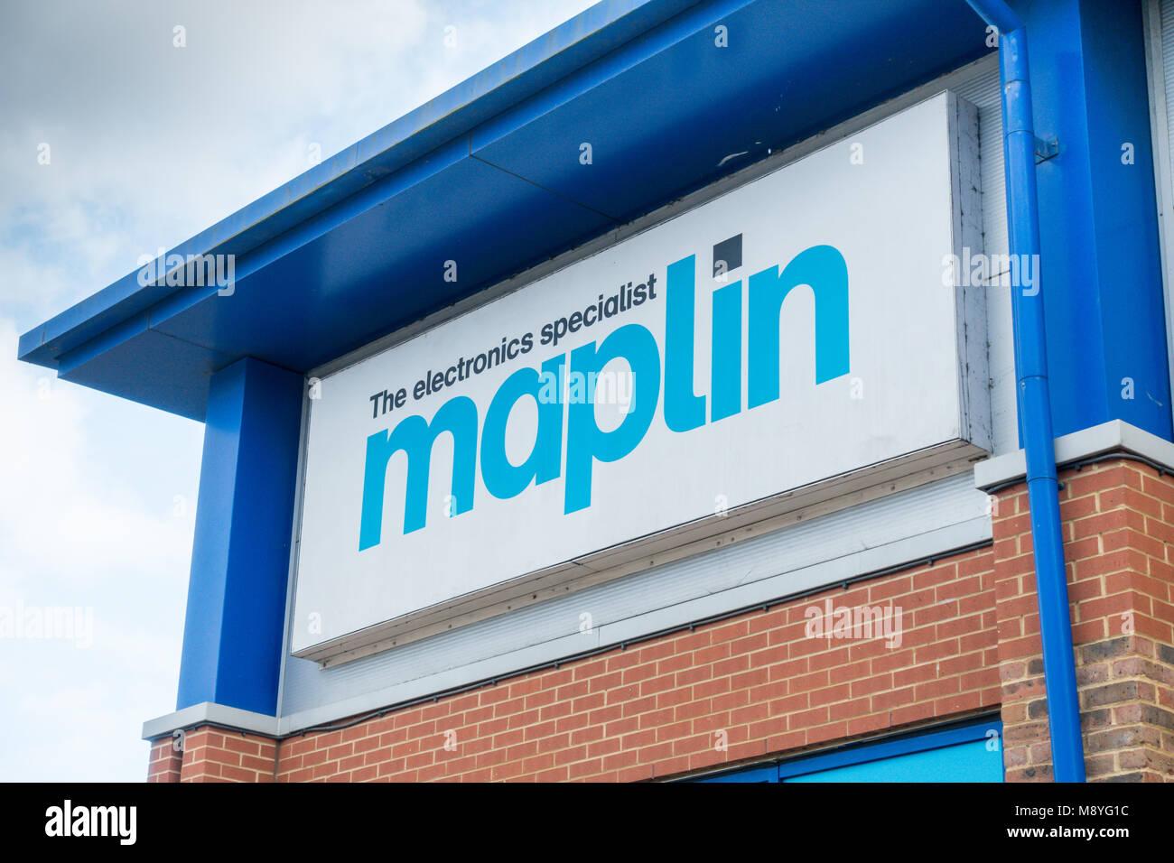 Maplin retail store Bedford UK - Stock Image