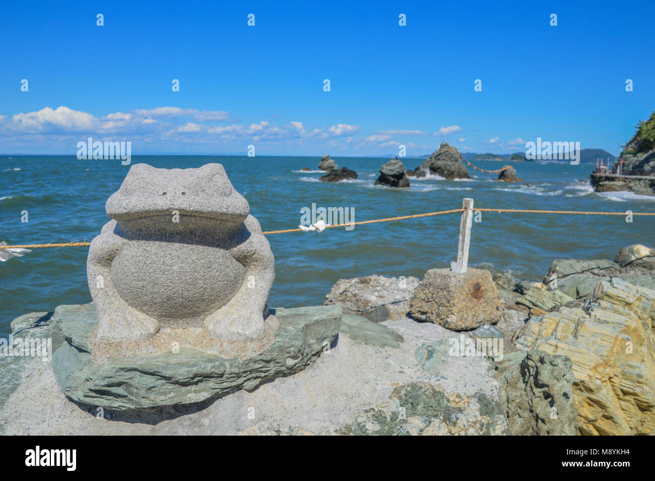 Frog Statue In Front Of Meoto Iwa (Wedded Rocks) At Ise Japan - Stock Image