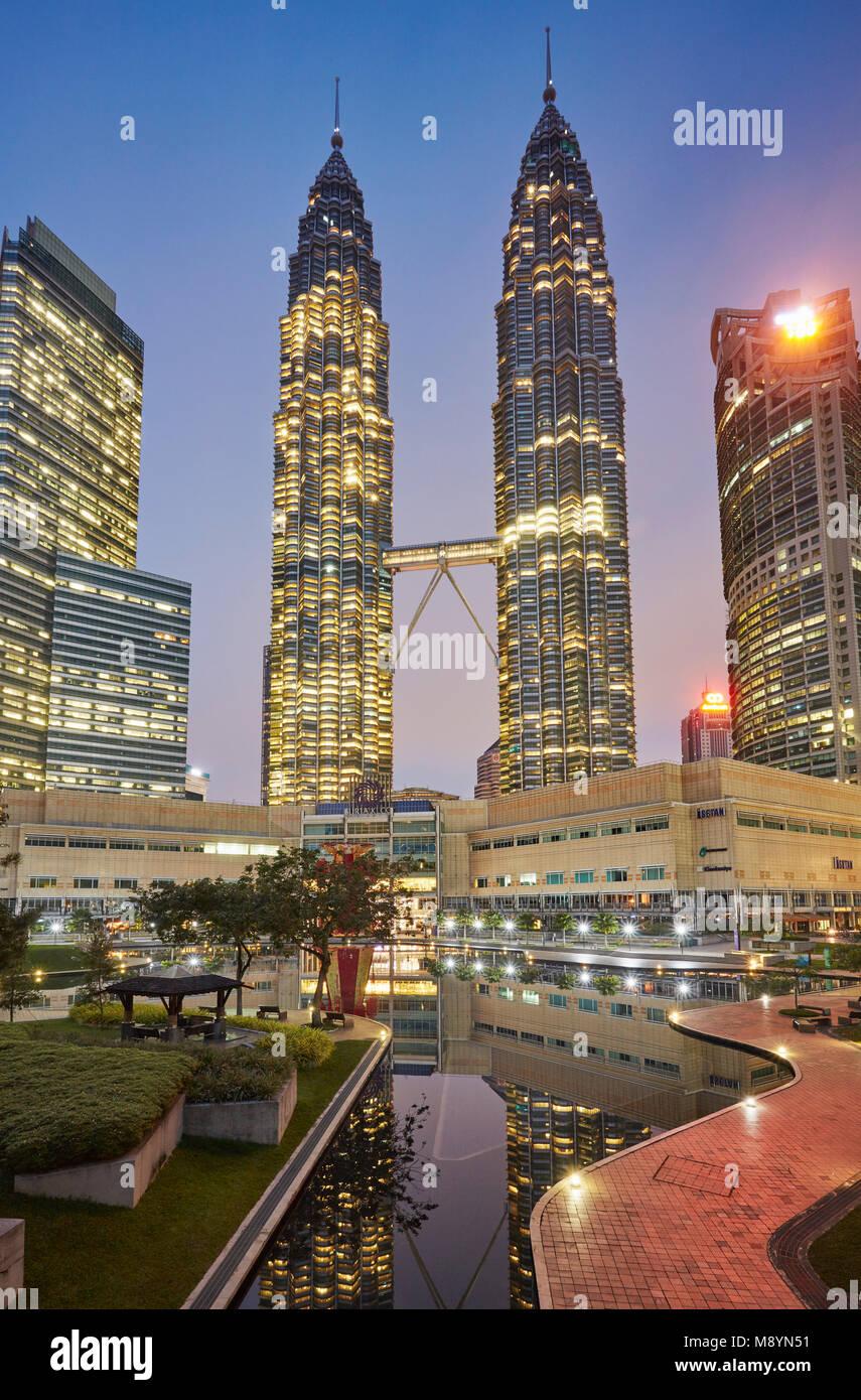 Petronas Towers, KLCC Park, Kuala Lumpur, Malaysia - Stock Image