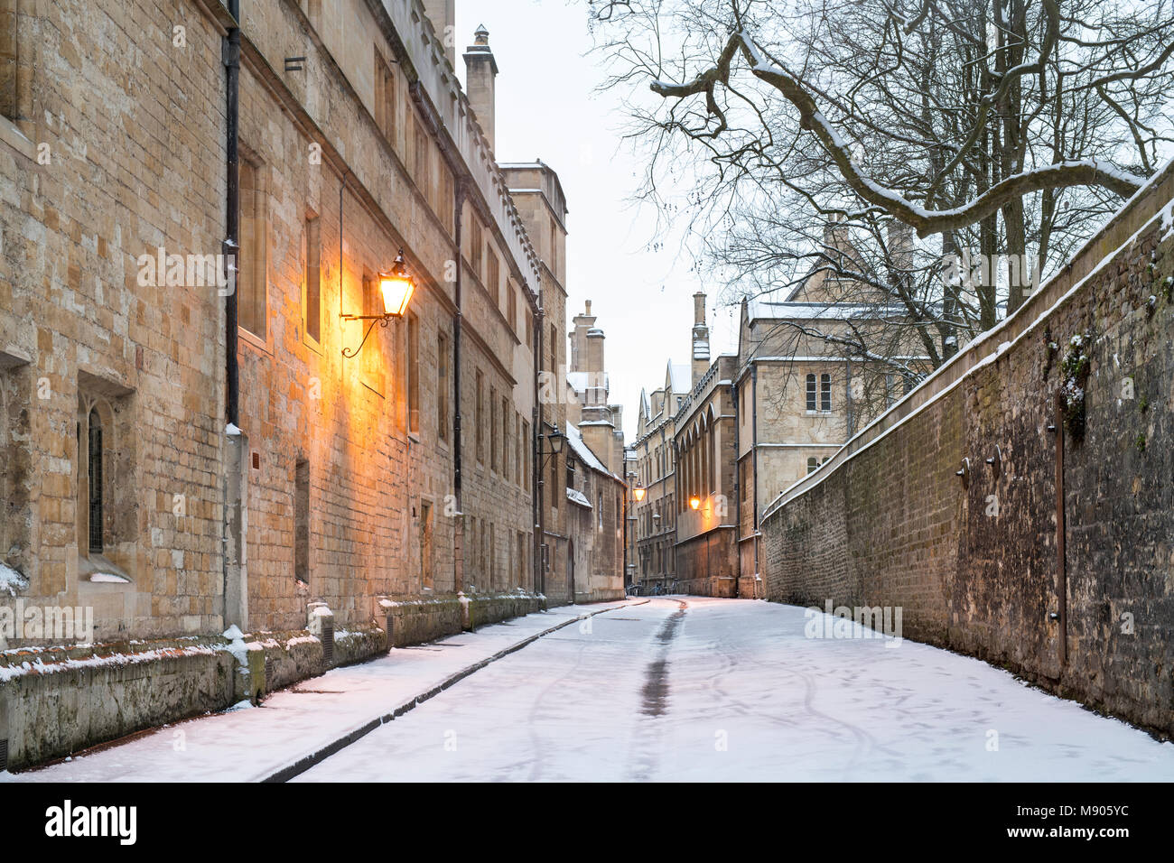 Brasenose lane in the early morning snow. Oxford, Oxfordshire, England - Stock Image