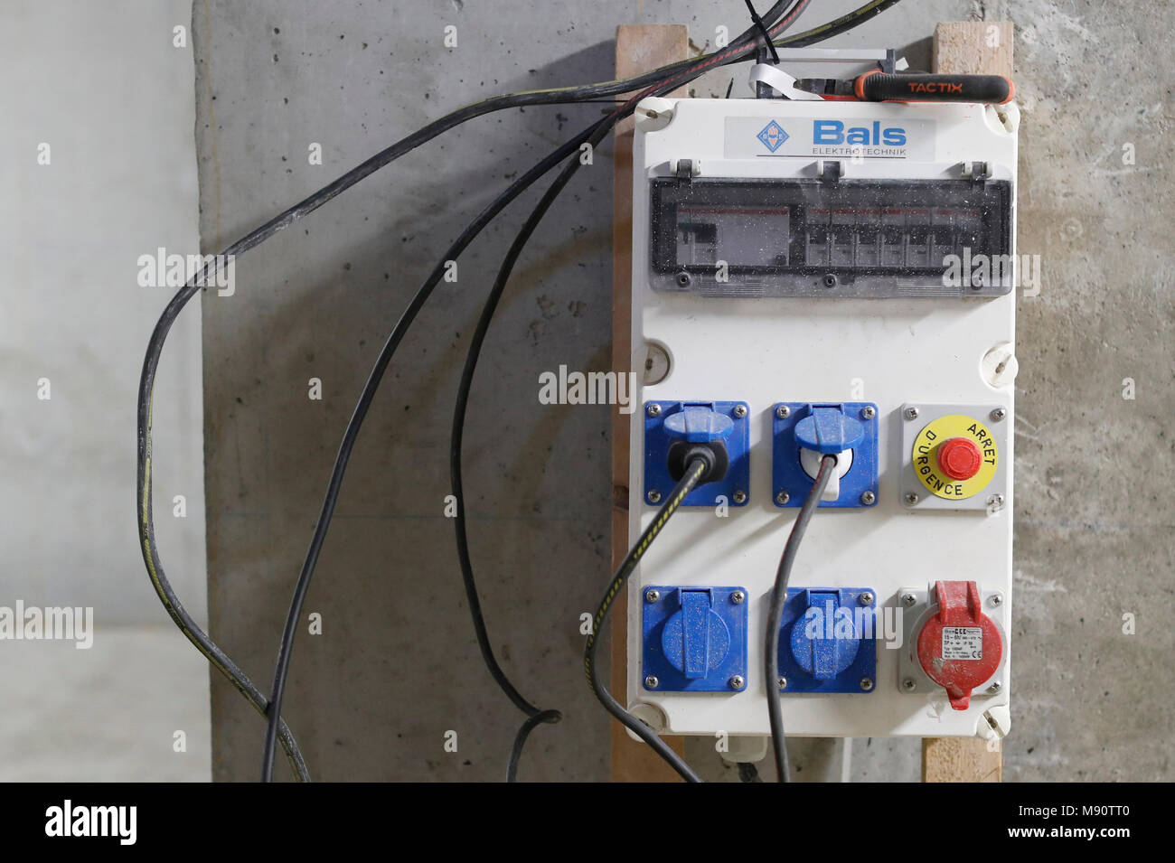 Superb House Under Construction Electric Board Stock Photo 177655072 Alamy Wiring 101 Taclepimsautoservicenl