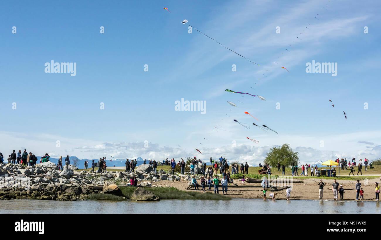 Beautiful day for kite flying, Garry Point Park, Steveston, British Columbia - Stock Image