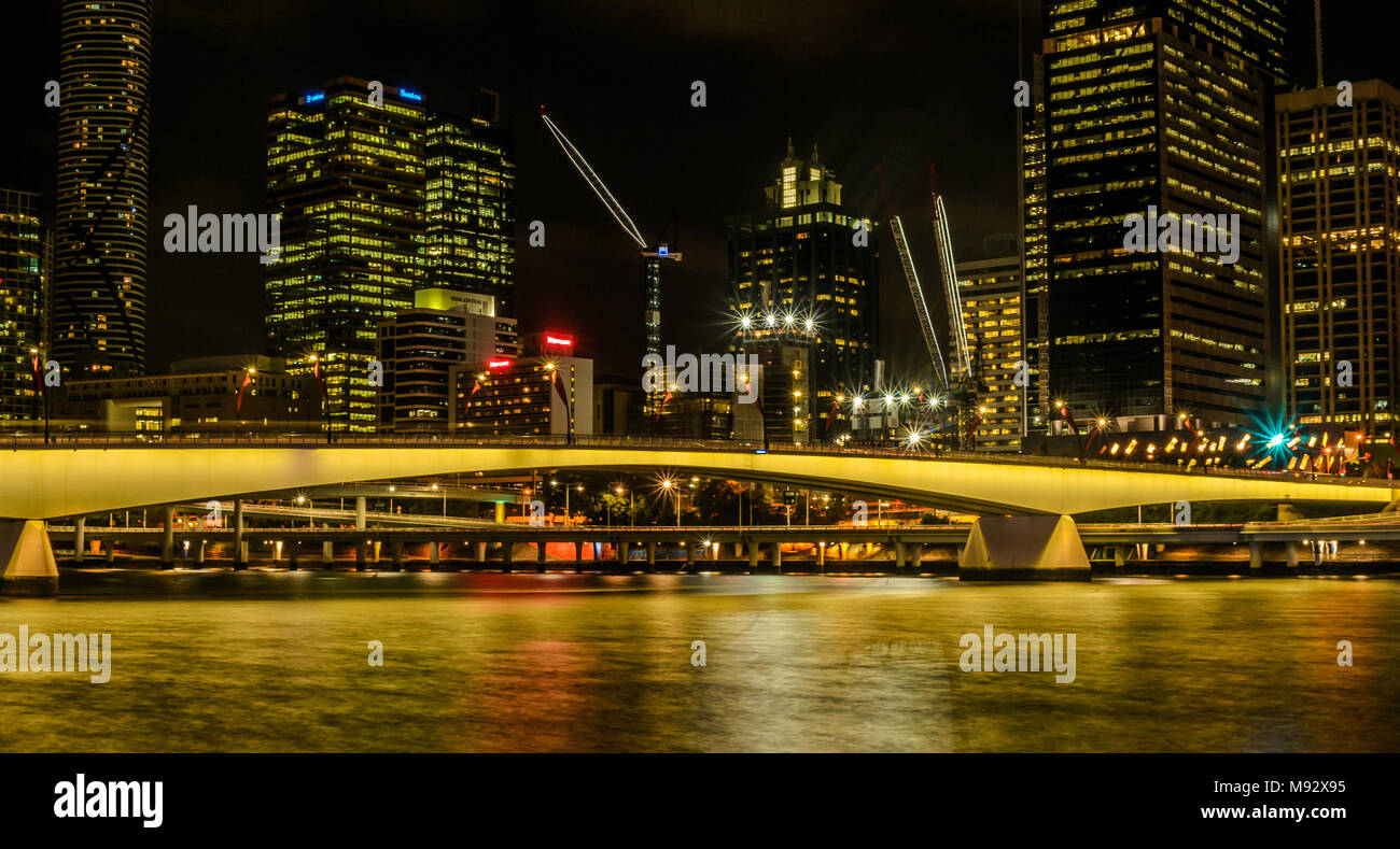 Brisbane river and city at night - Stock Image
